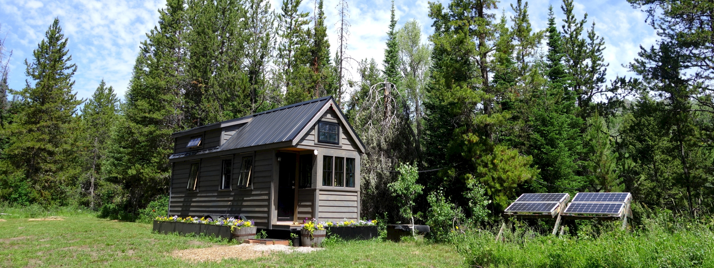 Off-grid, Grid-tied or Hybrid: Which Option Is Best for You?